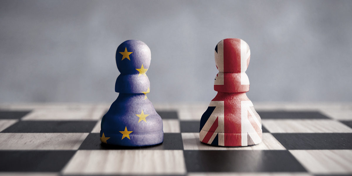 Two chess pawns with UK and European flags Schlagwort(e): brexit, concept, negotiations, chess, british, flag, european, eu, discussions, politics, legal, euro, exchange rate, piece, pawn, referendum, vote, great britain, england, strategy, debate, stand off, diplomacy, agreement, dispute, brexit, concept, negotiations, chess, british, flag, european, eu, discussions, politics, legal, euro, exchange rate, piece, pawn, referendum, vote, great britain, england, strategy, debate, stand off, diplomacy, agreement, dispute